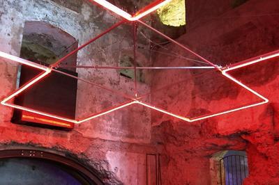 Annamaria Gelmi, Oltre il sacro, 2016, alluminio e led, 480x460x2 cm, forte Garda